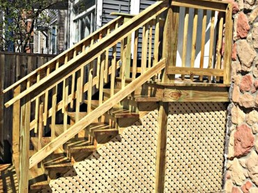 Bucktown Wooden Porch Staircase