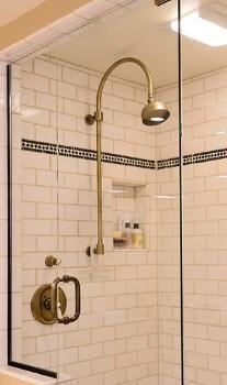 brass shower fixtures