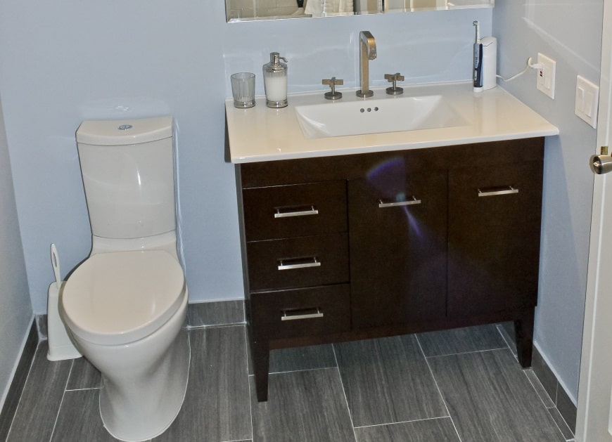 edgewater condo bathroom after remodel