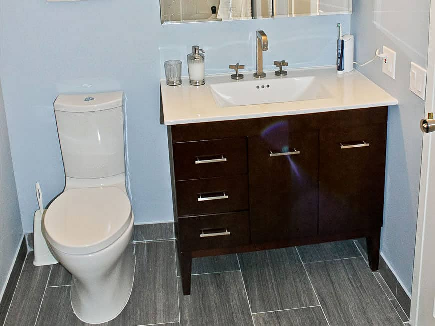 condo-bathroom-remodel-6101-n-sheridan-chicago-il-edgewater-main-pic