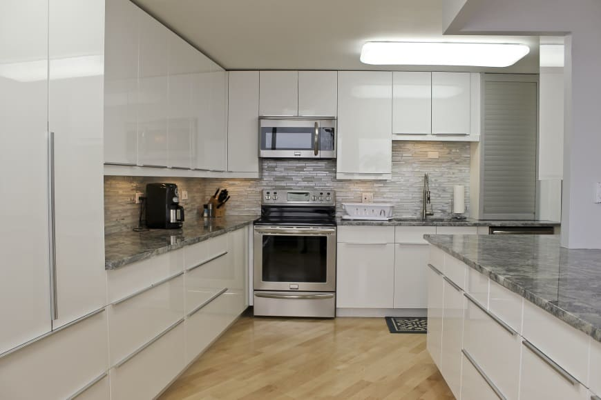 Kitchen Renovation at 6101 N Sheridan Rd (Edgewater)