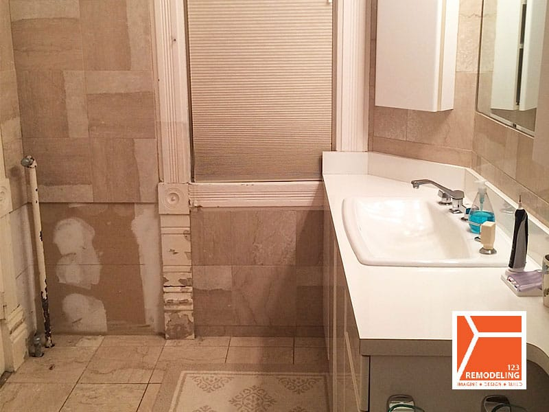Before Master Bathroom Remodel at 1513 Asbury Ave in Evanston