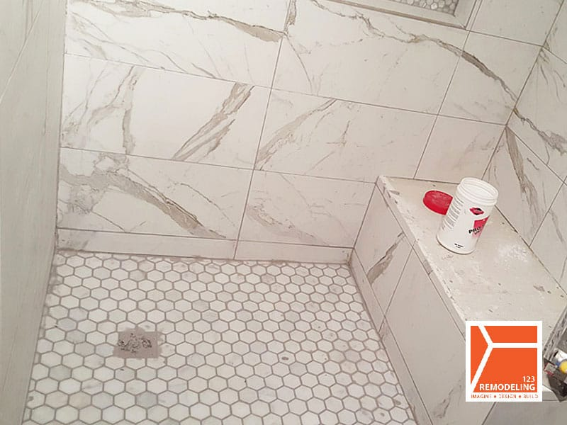 Before Bathroom Renovation in Lincoln Park