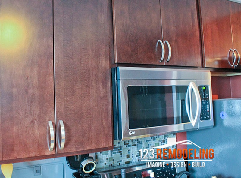 After Condo Kitchen Remodel - 3900 N Lake Shore Dr, Chicago, IL (Lakeview)
