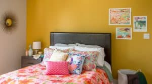 bedroom painted with Dunn Edwards Honey Glow
