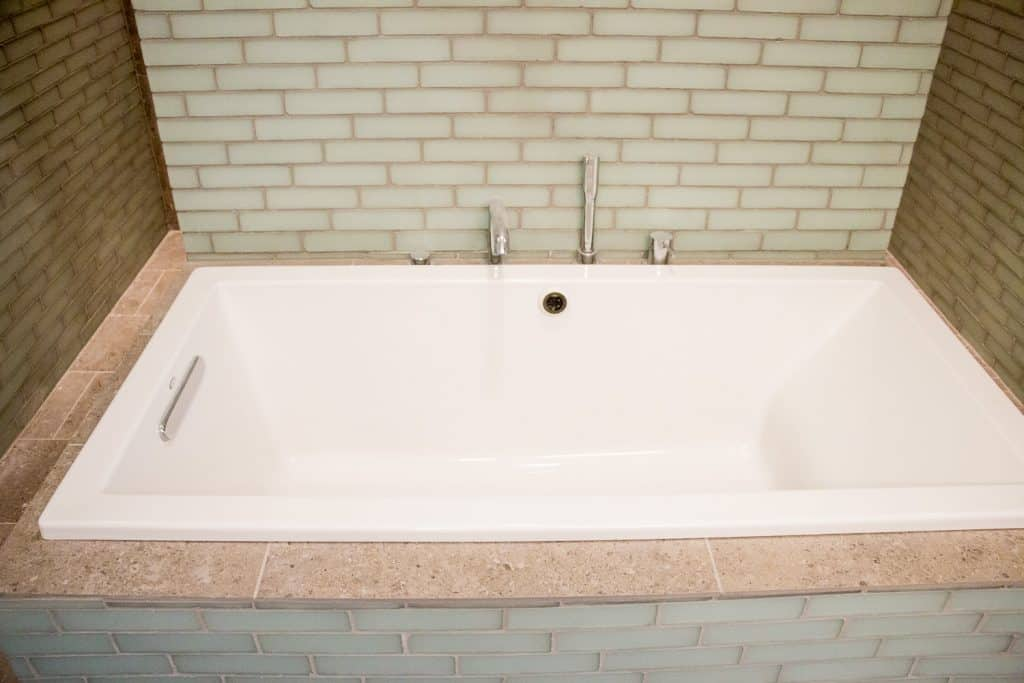 Condo Bathroom Renovation at 400 S Green St in West Loop