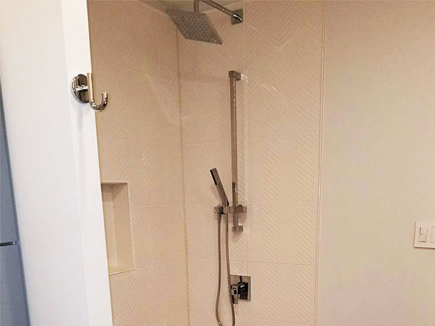 Condo Bathroom Renovation 110 W Superior St Chicago