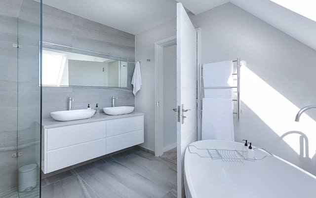 elegant white bath
