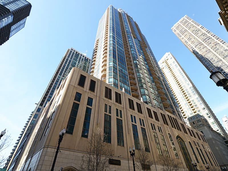 Pinnacle Tower Condominium Remodeling at 21 E Huron St in River North