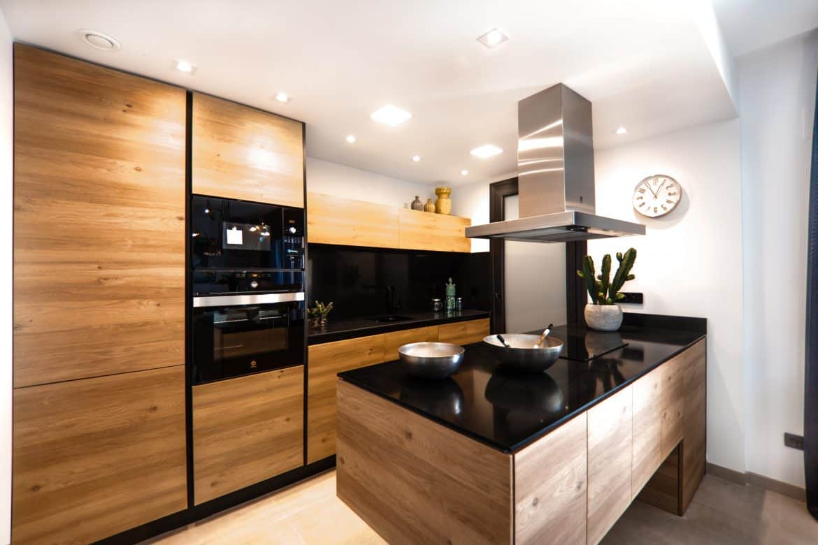 Kitchen Cabinets: Should You Replace or Reface? - 123 ...