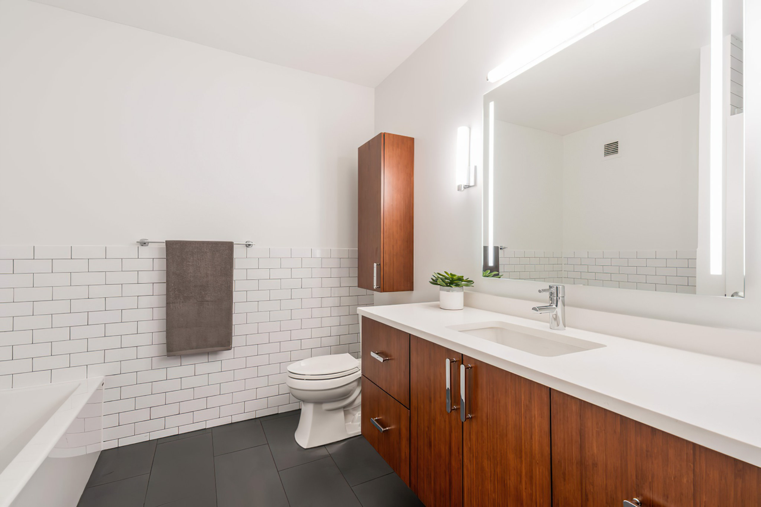 Chicago River North Modern Bathroom Remodel
