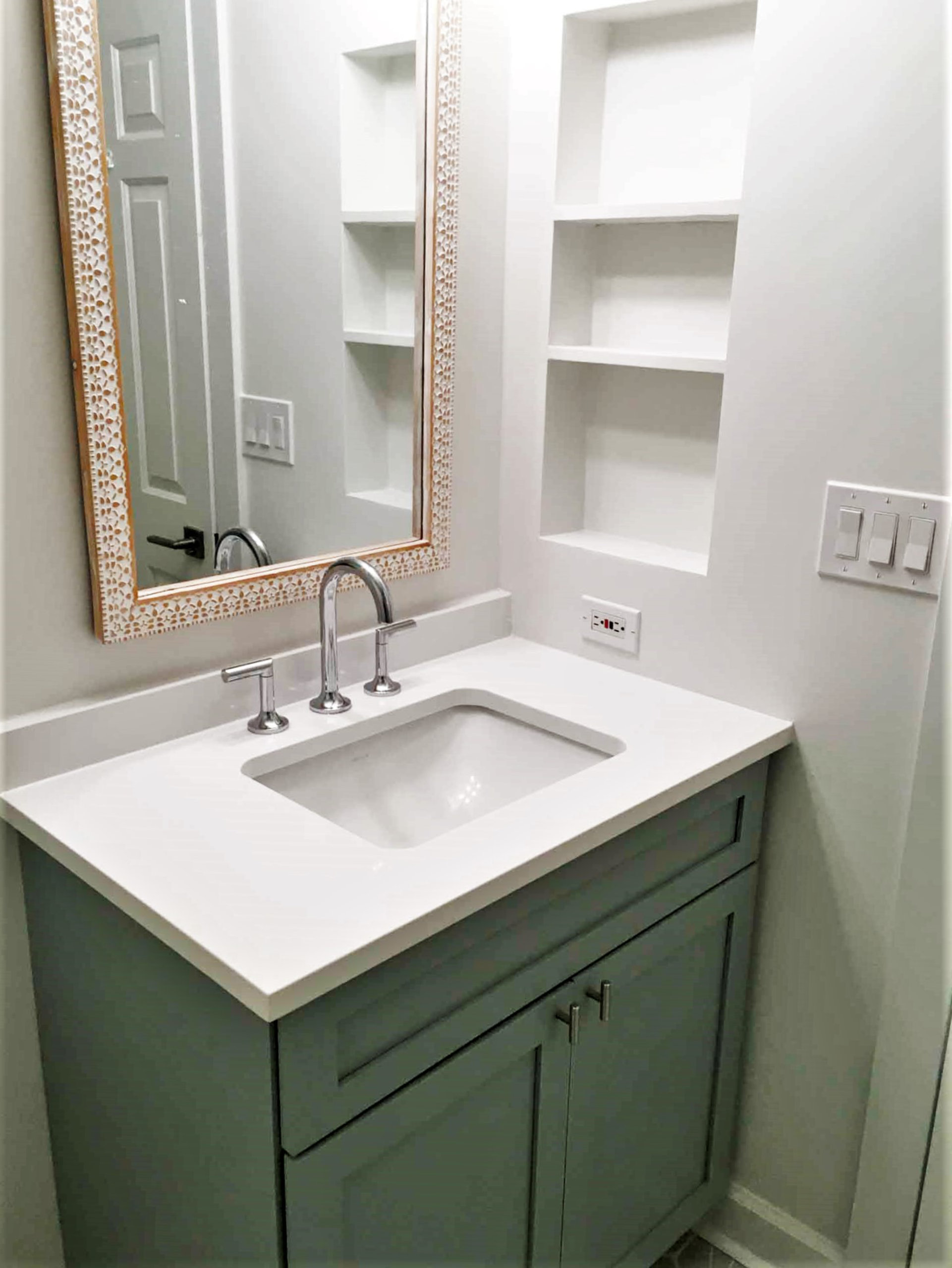 Chicago Sheffield Neighbors Bathroom Remodel