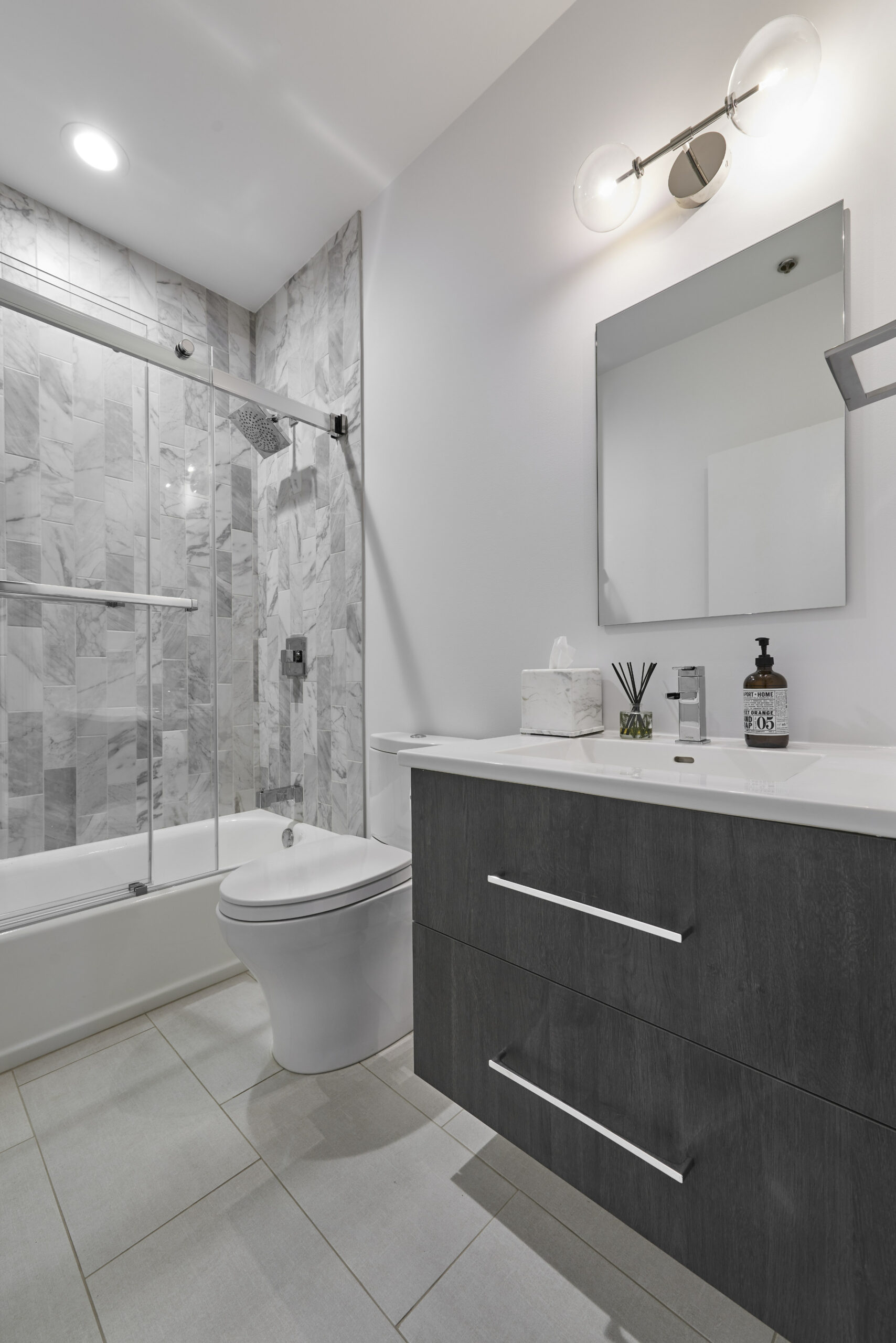 Chicago River North guest bathroom remodeling