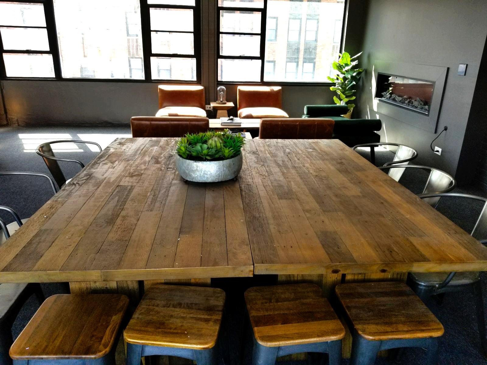 7270 South Shore lounge table