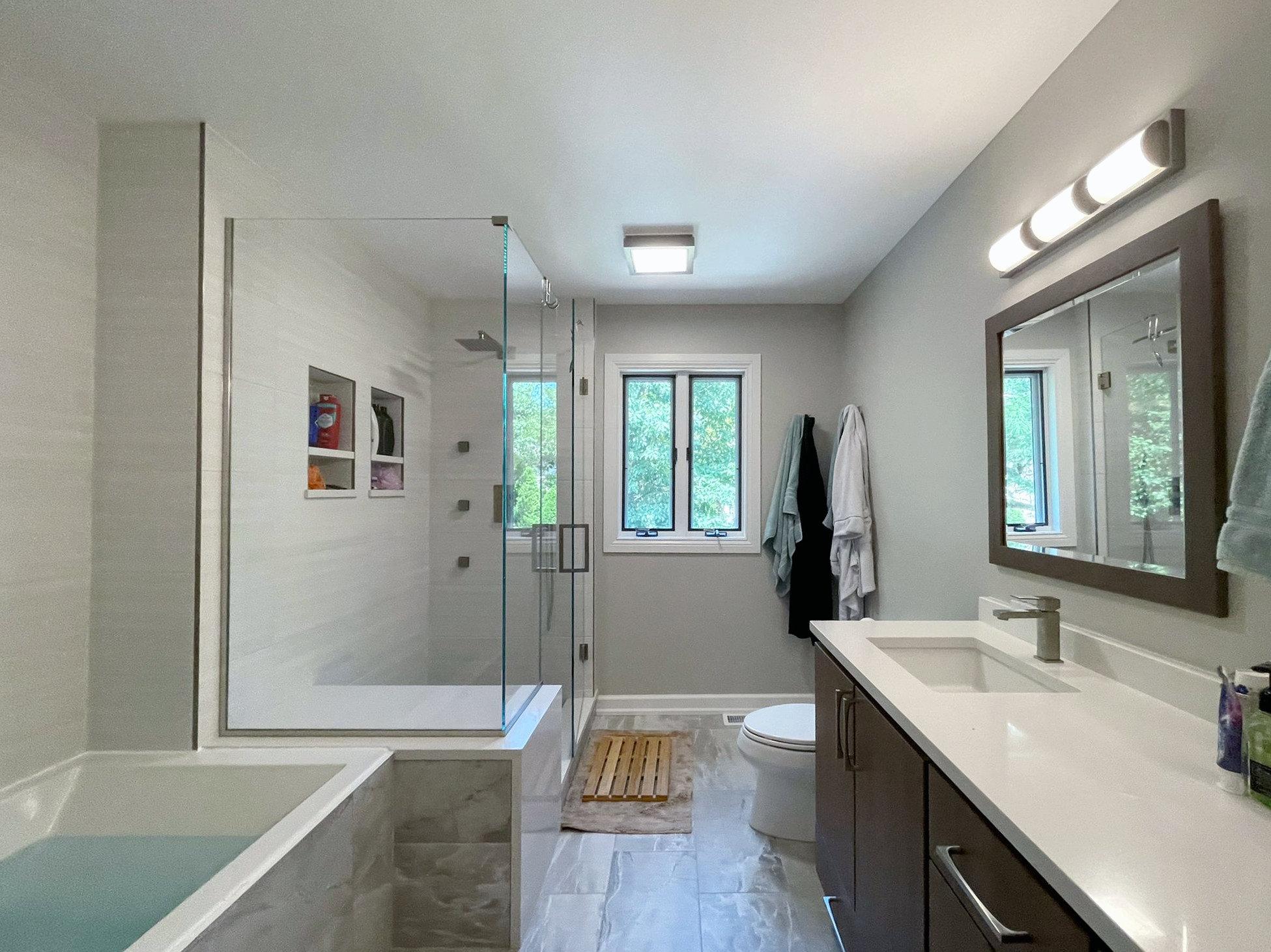 Master Bathroom Berwyn Ave Full Overview