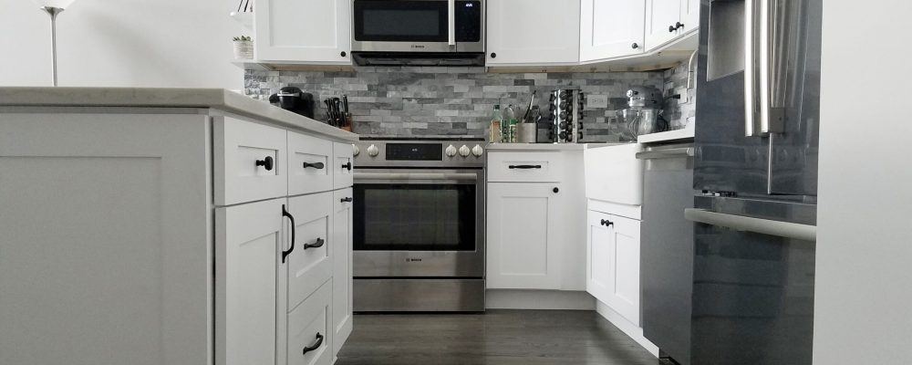 White Transitional Kitchen Remodel in Chicago Old Town